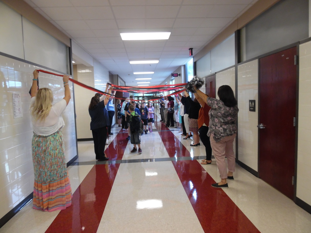 Teachers Welcome Students on the First Day